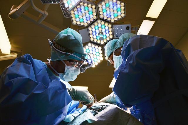 Chirurg dziecięcy