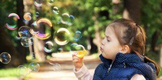 zabawa z dzieckiem z autyzmem